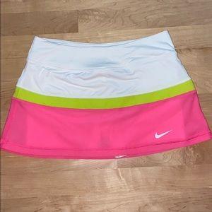 Brand new Nike tennis skirt (NikeCourt)